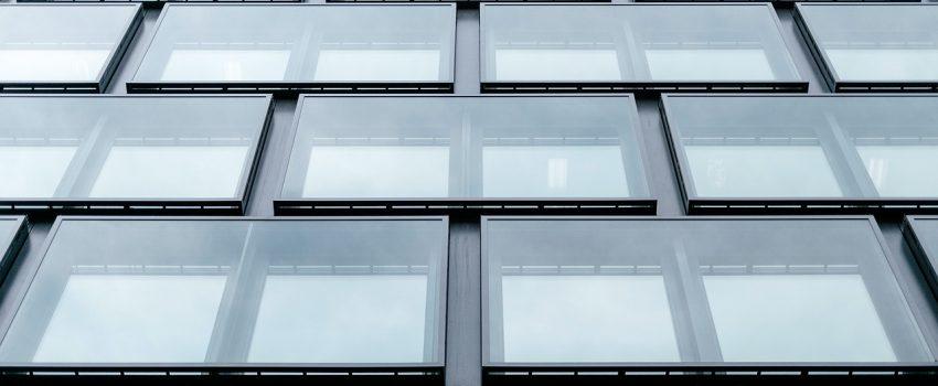 przenikalność okien