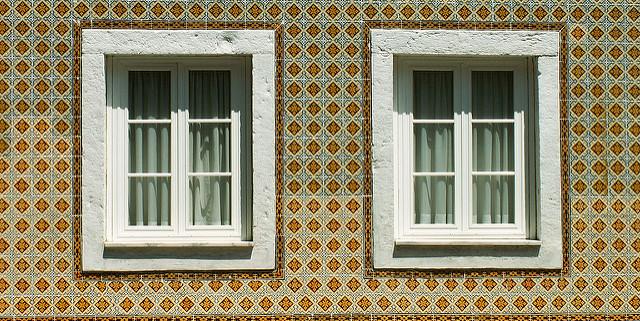 trwałe okna drewniane